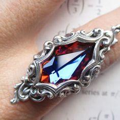 Arya - Swarovski ring - Filigree ring - Fantasy jewelry - Bridal Jewelry - Art nouveau jewelry - Game of Thrones Jewelry - Arya Stark