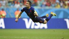 Van Persie enjoys 'Cruyff turn' moment with stunning goal