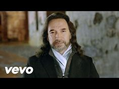 iTunes: http://bit.ly/1aXKhpG Amazon: http://amzn.to/19ypw5W Music video by Marco Antonio Solís performing Tres Semanas. (C) 2013 Habari, Inc Exclusively Lic...