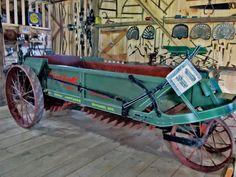 A 1910 Litchfield manure spreader. Photo by Larry Scheckel