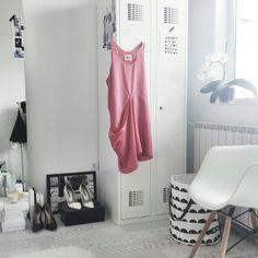 metal lockers, white interior, white walk-in closet, ferm living moon basket, Scandinavian interior, Nordic interior frichic.com