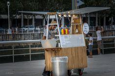 Salchibotxo | por Gamorga photography Food Stall Design, Food Cart Design, Outdoor Cafe, Outdoor Restaurant, Coffee Carts, Coffee Shop, Bike Food, Pearl Tea, Food Kiosk