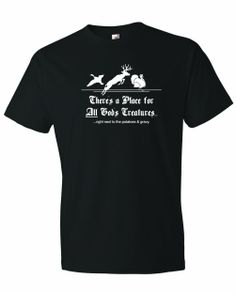 Men's All Gods Creatures, Right Next To Potatoes And Gravy. T-Shirt
