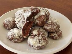 Christmas Cookies Recipes with Pictures: Chocolate Crackle Cookies Recipe