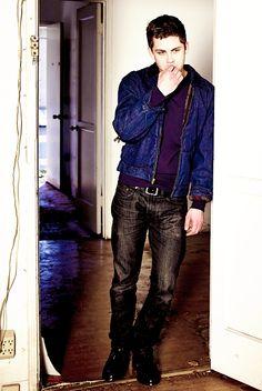 Logan Lerman Logan Lerman, Amanda Seyfried, Percy Jackson, Aaron Taylor Johnson, Matthew Gray Gubler, Chloe Grace, Hot Actors, Star Girl, Pretty Men