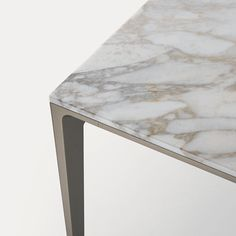 dettaglio della struttura palladio e piano in marmo calacatta