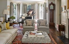 In Good Taste: Charles Hilton Architects. also love the neutral fabrics and gorgeous rugs