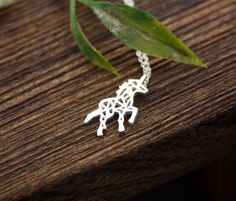 Le chouchou de ma boutique https://www.etsy.com/ca-fr/listing/277983110/collier-cheval-pouliche-licorn-chaine