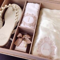 About Wedding Dresses Wedding Gifts For Bridesmaids, Bridesmaids And Groomsmen, Gifts For Wedding Party, Bridesmaid Proposal, Wedding Favours, Diy Wedding, Dream Wedding, Wedding Invitations, Wedding Day