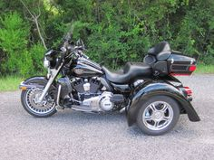 Harley Davidson hand pump for suspension. For sale 2012 Harley Ultra Classic CVO. old rider with 55 yrs. of riding experience. Harley Davidson Trike, Harley Davidson Touring, Harley Ultra Classic, Buy Motorcycle, Fl Ga, Big Rig Trucks, Biker, Motorcycles, Jeeps