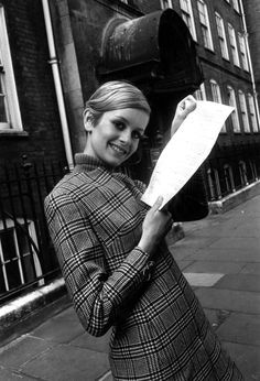 Twiggy in London, 1960s