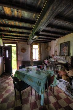 Urbex Maison Fien, farmhouse abandoned in 2006