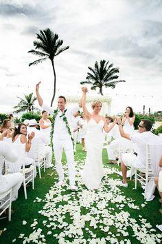 An all white wedding! #white #wedding #maui @FSBridal @fsmaui  @mackme