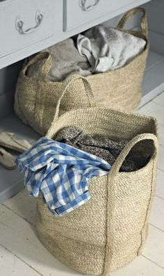 Huge woven sisal storage baskets - could I crochet one? Sisal, Rattan, Wicker, Ornament Box, Basket Bag, Storage Baskets, Laundry Baskets, Laundry Room, Textiles