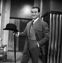 patrick macnee height