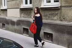 POKOJÍK / Blouse by Pinwheels and trousers Conceptxy accompanied by red bag by Pavel Jevula Red Bags, Pinwheels, Longchamp, Editorial, Traveling, Trousers, Tote Bag, Blouse, Collection
