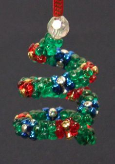 Easy Christmas Crafts Spiral Beaded Christmas Ornament made with tri beads
