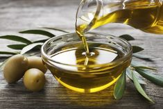Is olive oil healthy? How olive oil benefits skin, hair and health? You will also be surprised to know how drinking olive oil benefits your health Olives, Mayonnaise Hair Treatments, Home Remedies, Natural Remedies, Olive Oil Benefits, Creme Anti Age, La Constipation, Olive Oil For Constipation, Cooking Oil