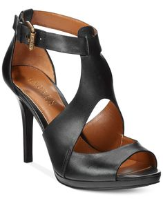 Sexy leather with peep-toe and cutout details make the Beth sandals from Ralph Lauren an easy choice for both day and night looks. Pretty Shoes, Beautiful Shoes, Zapatillas Peep Toe, Shoe Boots, Shoes Sandals, Ralph Lauren, Hot Shoes, Me Too Shoes, Fashion Shoes