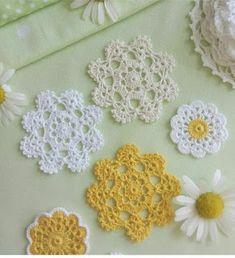 Crochet Knitting Handicraft: crochet motifs Crochet Puff Flower, Flower Applique, Crochet Motif, Irish Crochet, Crochet Shawl, Crochet Doilies, Crochet Flowers, Crochet Lace, Crochet Patterns