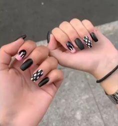 Negro mate, llama de fuego rosa y cuadrados blancos y negros. Ten Nails, Aycrlic Nails, Swag Nails, Hair And Nails, Manicure, White Acrylic Nails, Best Acrylic Nails, Pastel Nails, White Nails
