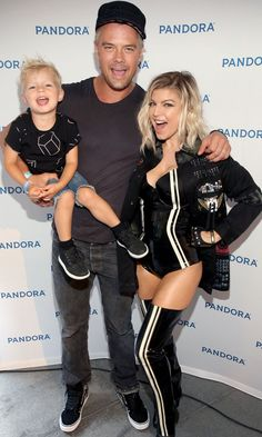 Pin for Later: Fergie Has a Cute Family Moment With Josh Duhamel and Axl Before a Sexy Concert Performance