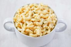 stove top white macaroni and cheese! Can never have too many mac & cheese recipes! Stovetop Mac And Cheese, Macaroni Cheese, Mac Cheese, Pasta Cheese, I Love Food, Good Food, Yummy Food, Tasty, One Pot Meals