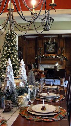 Our Southern Home: Winter Wonderland Tablescape {Dining Room}! Really pretty table!