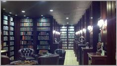 Rick Warren's personal library