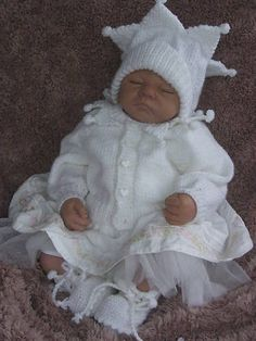 Sewing Ideas For Babies Free Knitting Patterns for Babies: 9 Free Baby Knitting Baby Cardigan Knitting Pattern Free, Free Knitting, Baby Dolls For Kids, Baby Girls, Easy Baby Blanket, Knitted Baby Clothes, Baby Patterns, Jumper Patterns, Knit Patterns