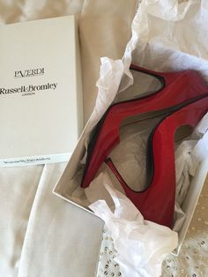 Russell & Bromley red patent Leather Viva Shoes Size 36.5 UK Size 4 IMMACULATE CONDITION AND WHAT AN ABSOLUTE BARGAIN ! WISH i WAS A SIZE 4 8-(