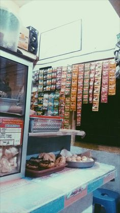 Snap Food, Lock Screen Wallpaper, Vespa, Wattpad, Random, Places, Pictures, Wasp, Hornet