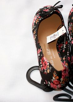 Kup mój przedmiot na #vintedpl http://www.vinted.pl/damskie-obuwie/balerinki/10385620-balerinki-floral-kwiatki-atmosphere-primark-38-nowe