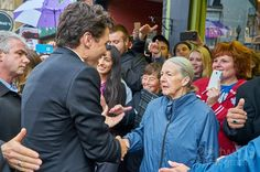 PM Trudeau @justinpjtrudeau  @canadianpm hands with a lady in front of @piconefinefood yesterday during his visit to Dundas.  Sony a7 - FE T 16-35mm f/4.0 ZA OSS  lens  #liveyouradventure #20two19 #dundasont #dundasvalley #dundasontario #exploreontario #ontario_ca #DiscoverON #torontoclicks #outerwhere #outerwear #canadianpm #travelblog #justintrudeau #primeminister #torontoblogger #lifestyleblog #travelphotography #politics #lifestyle #fitness #wonderful_places #discovercanada #outdoors…