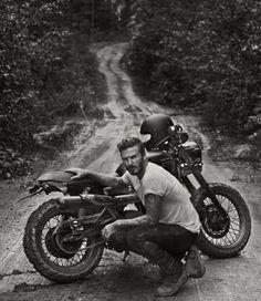 Motocicletas antigas: uma paixão sem limite de idade.