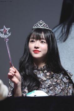 Oh My Girl - Yooa #ohmygirl #yooa Kpop Girl Groups, Kpop Girls, K Pop, Girl Pictures, Girl Photos, Oh My Girl Yooa, Girls Twitter, E Sport, Kpop Aesthetic