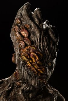 Face Off Pictures - View galleries of every episode. See photos from Face Off episodes and see the latest cast photos and more on SYFY! Face Off Makeup, Makeup Fx, Movie Makeup, Crazy Makeup, Aliens, Green Man, Zombies, Face Off Syfy, Prosthetic Makeup