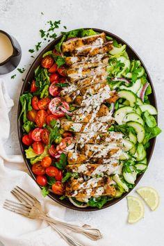 chicken shawarma salad | paleo chicken shawarma salad | whole30 chicken shawarma salad | The Movement Menu || #paleosalad #whole30salad