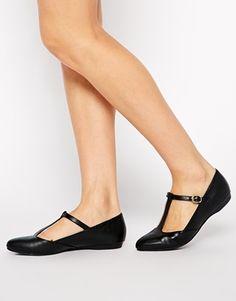 Zapatos planos con tira en T de New Look