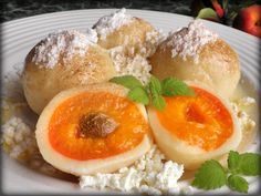 Apricot dumplings from cheese dough NejRecept. Slovakian Food, Czech Recipes, What To Cook, Sweet And Salty, Dumplings, Goodies, Food And Drink, Cooking Recipes, Dishes