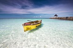 10 Best Honeymoon Destinations on a Budget - Top Cheap Honeymoon Ideas Honeymoon - Honeymoon destina Honeymoon Destinations On A Budget, All Inclusive Honeymoon, Honeymoon Cruise, Travel Destinations, Honeymoon Night, Honeymoon Ideas, Ways To Travel, Caribbean Sea, Round Hill