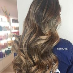 Fabulous weekend hair @hairxjojo  recreate this look with our 32mm styling wand ✔️BLACK FRIDAY weekend sale on now. Shop any of our 3 stores: www.bombayhair.com  www.bombayhair.ca  www.bombayhair.co.uk