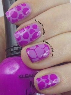 Blobbicure in my favorite color #bomnailartfeb #nailthattechnique - Leonie's Nailart