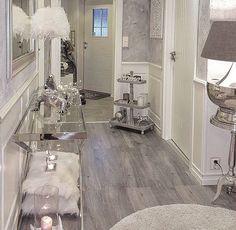 ♡ @enticemedear Home Decor Shops, Luxury Home Decor, Hallway Decorating, Decorating Your Home, Living Room Decor, Bedroom Decor, Fancy Living Rooms, Piece A Vivre, Home Decor Inspiration