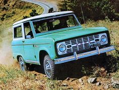1967 Ford Bronco Pictures: See 5 pics for 1967 Ford Bronco. Browse interior and exterior photos for 1967 Ford Bronco. Old Ford Bronco, Bronco Ii, Early Bronco, Classic Bronco, Classic Trucks, Classic Cars, Suv Trucks, Cool Trucks, Pickup Trucks