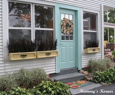 Old drawers as window boxes.  Love!  (from Kammy's Korner)