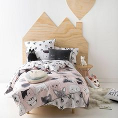 So cute! Inspire sleep with Hiccups Kitty Cat Quilt Cover Set #sleep #kidsroom #kitty #bedroom #afflink