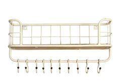 Wit metalen hangkastje met houten legplank en 10 haakjes uit de collectie van New Routz. Te gebruiken in de keuken en als kapstok.