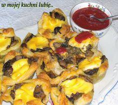 W Mojej Kuchni Lubię..: francuskie babeczki z pieczarkami,szpinakiem,poram...