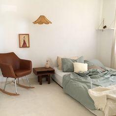 48 trendy Ideas for bedroom interior design cosy living rooms Design Room, Home Bedroom, Bedroom Decor, Warm Bedroom, Bedroom Ideas, Bedrooms, Deco Studio, Room Interior, Interior Design